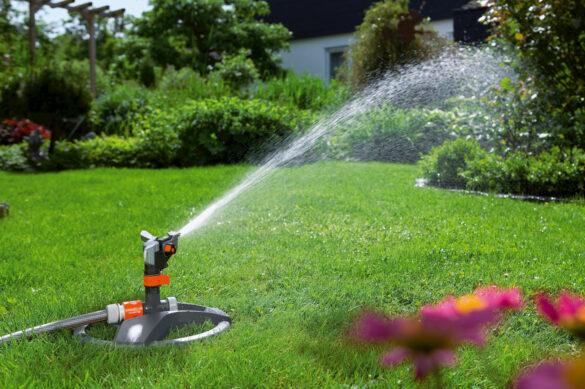 автоматический полив газона - вращающийся ороситель